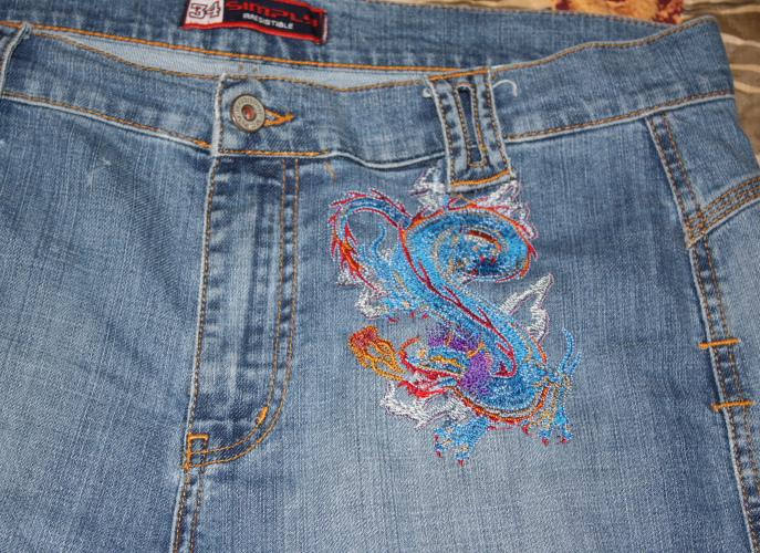 Вышивка на джинсах, фото Вышивка прикреплеш еще в...